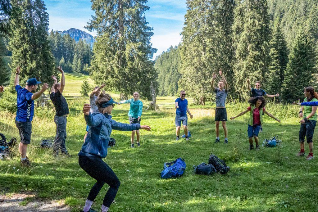 Gesundheitswandern: Übungen zur Dehnung