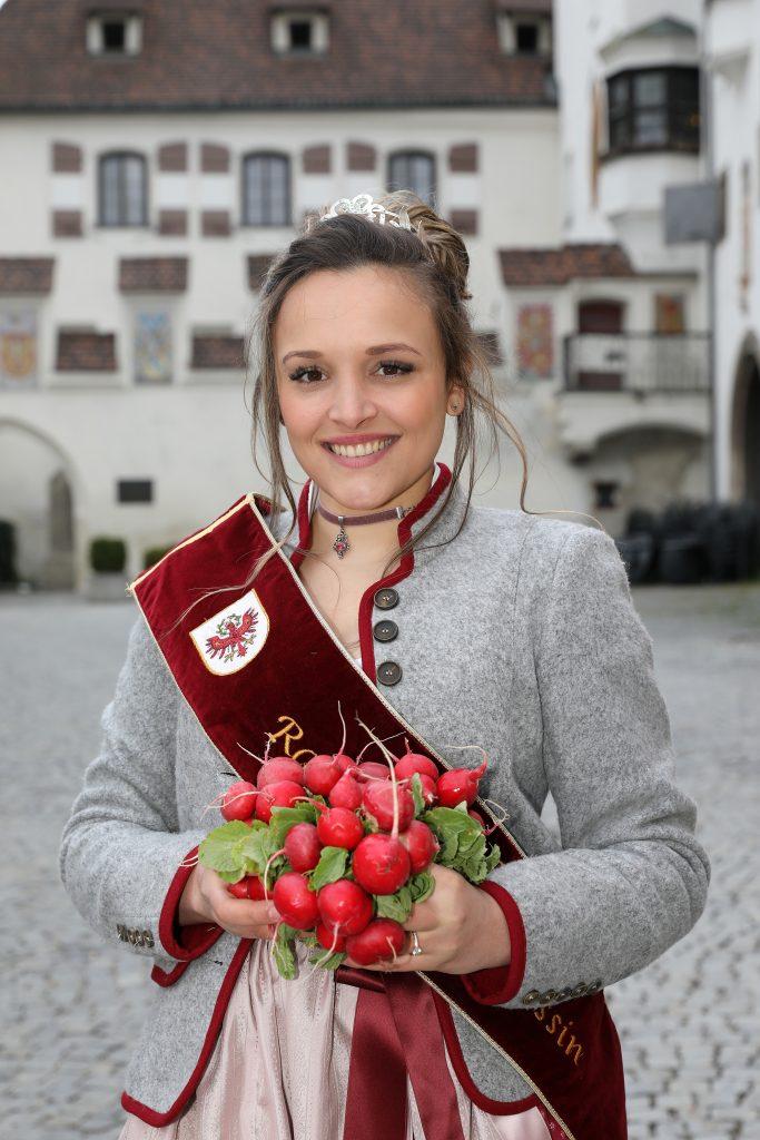 Radieschenprinzessin Raffaela Puelacher wrid das Zepter auch am Radieschenfest 2022 schwingen.