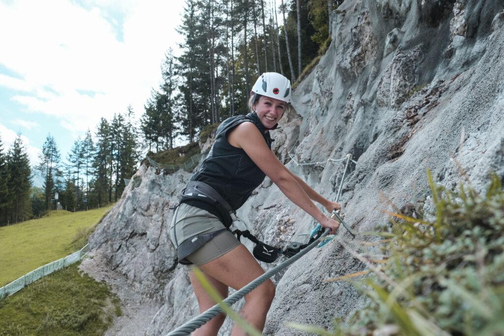 Aufgrund seiner Lage im Tal ist der neue Klettersteig nicht nur leicht zugänglich, eine Klettersteigtour kann dort auch jederzeit beendet werden ©Bettina Brunauer